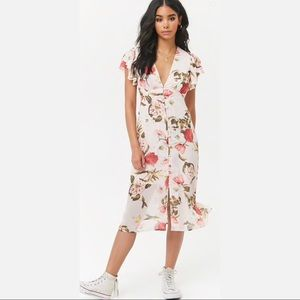 ✨ Floral Print Butterfly-Sleeve Dress✨